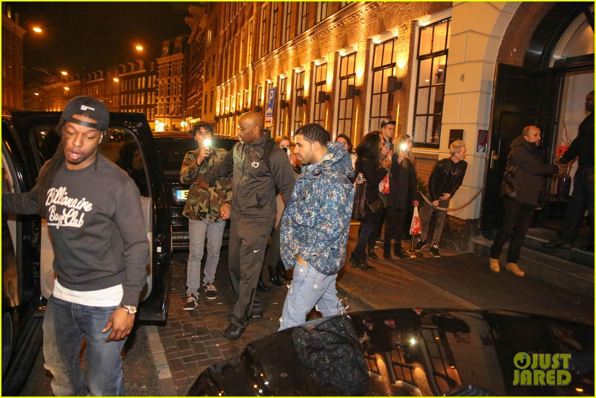 rihanna drake spotted on dinner date in amsterdam 153067645