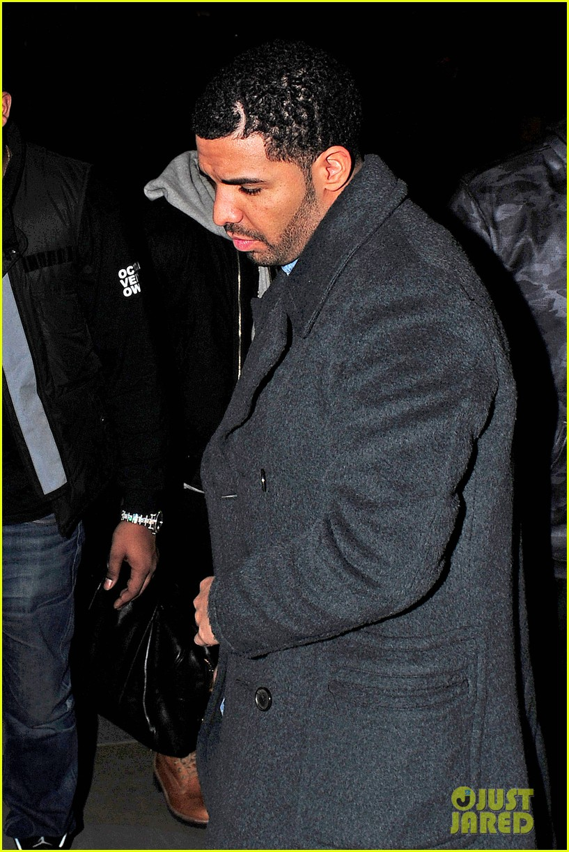 rihanna drake go out on another dinner date in europe 023068980