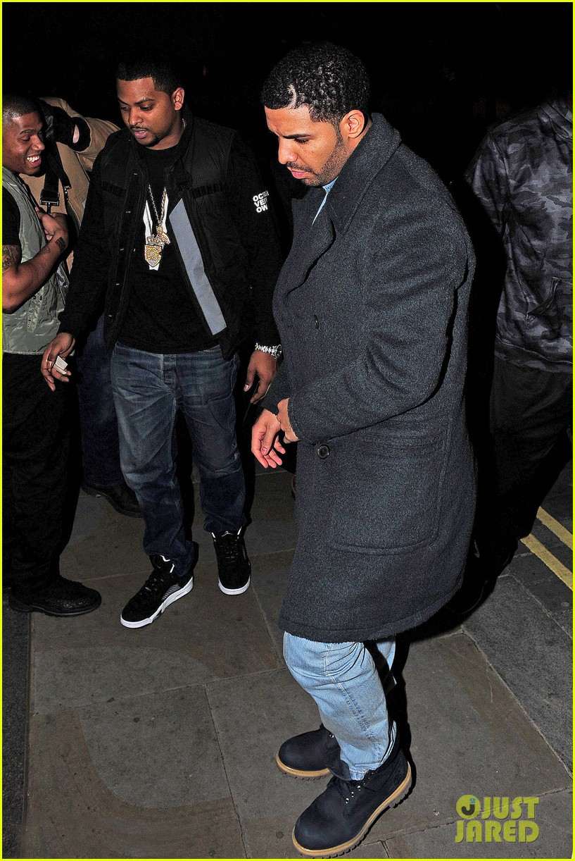 rihanna drake go out on another dinner date in europe 05