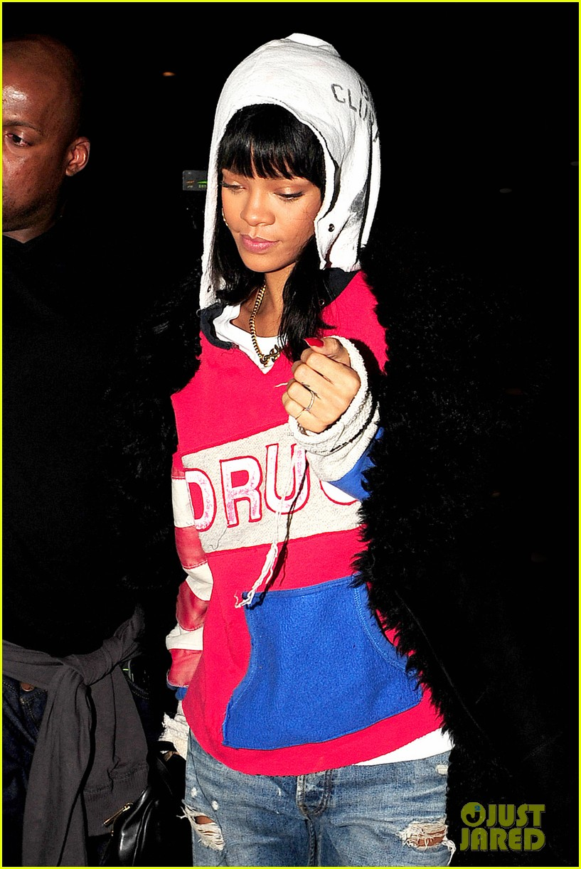 rihanna drake go out on another dinner date in europe 073068985