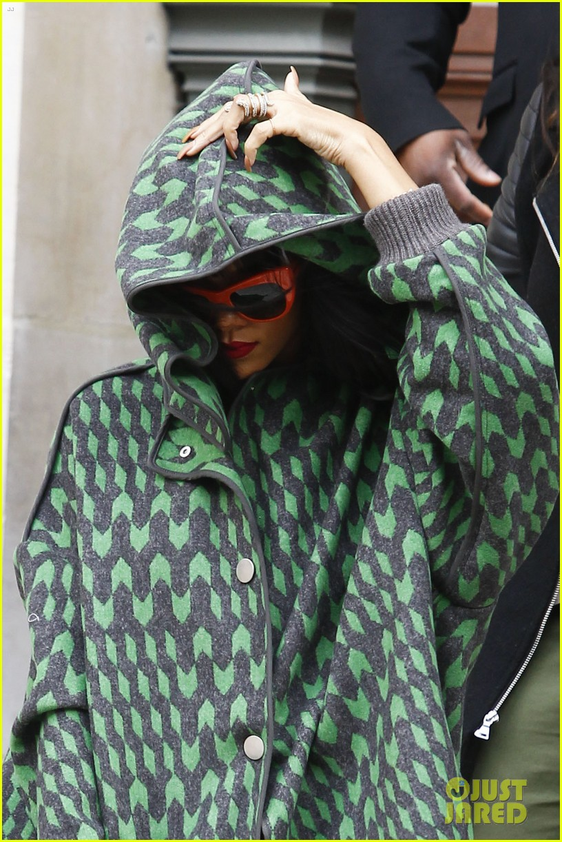 rihanna continues fashion week fun in paris 14