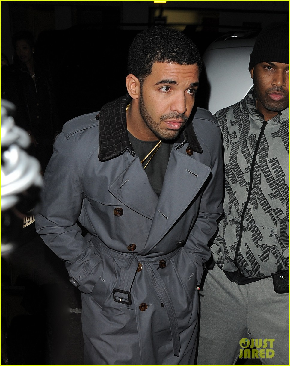rihanna drake separate entrances dinner london 02
