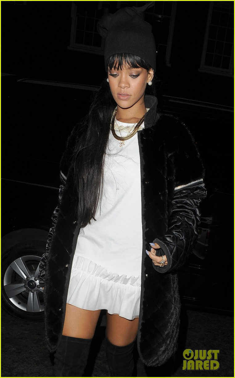 rihanna drake separate entrances dinner london 123079952