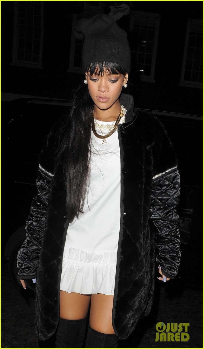 rihanna drake separate entrances dinner london 183079958