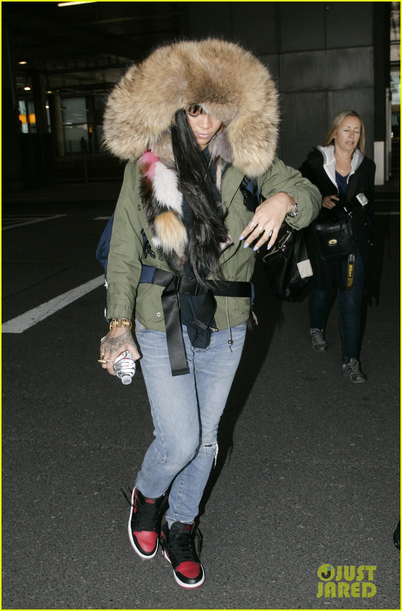 rihanna flies to london after using teen mom 053077634