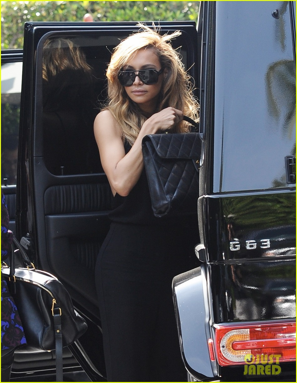 naya rivera ever so sexy in her black jumpsuit 043081684