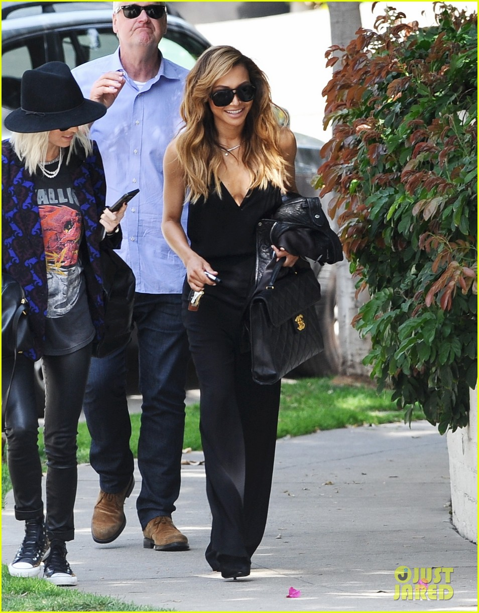 naya rivera ever so sexy in her black jumpsuit 083081688