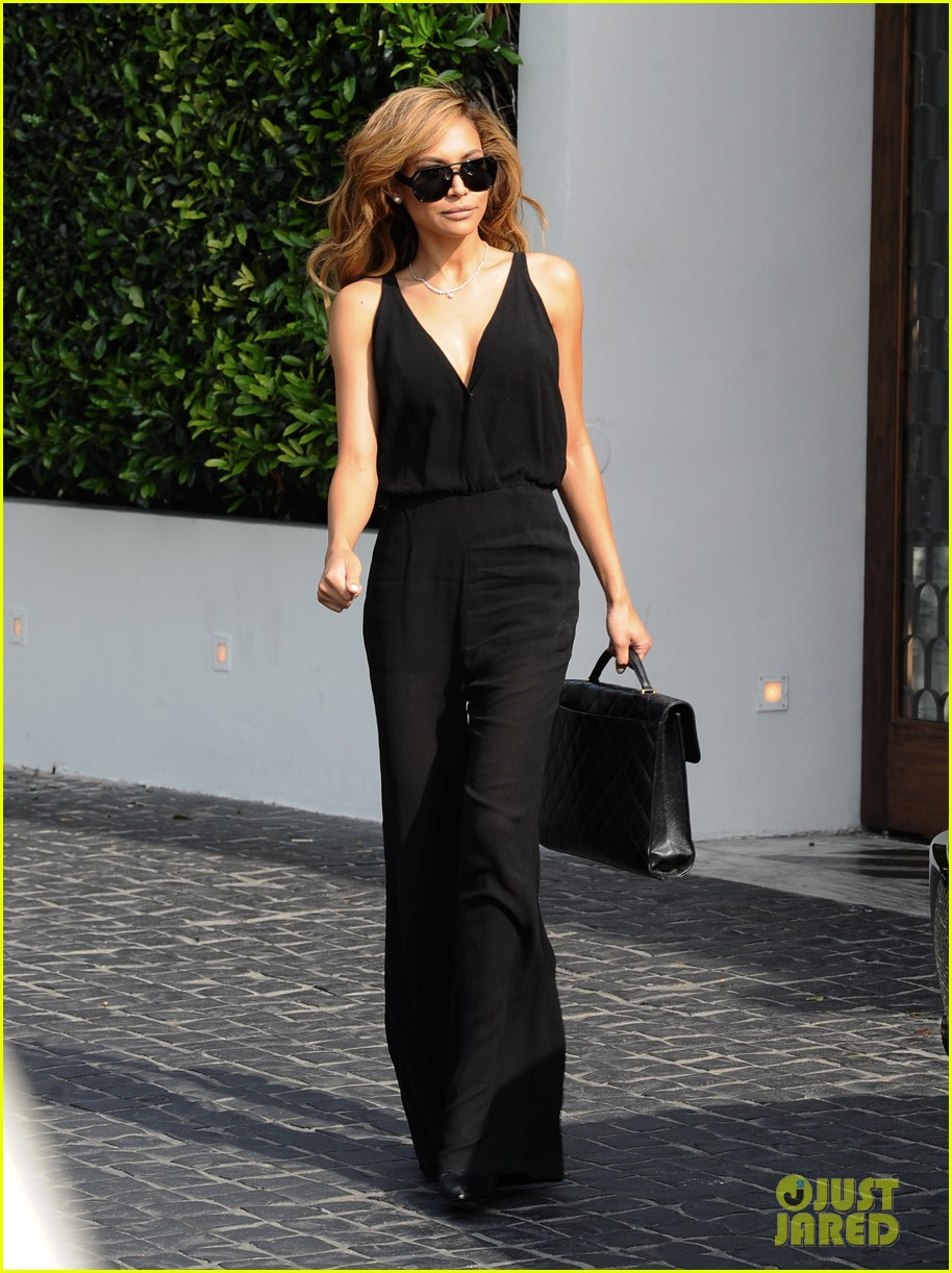 naya rivera ever so sexy in her black jumpsuit 103081690
