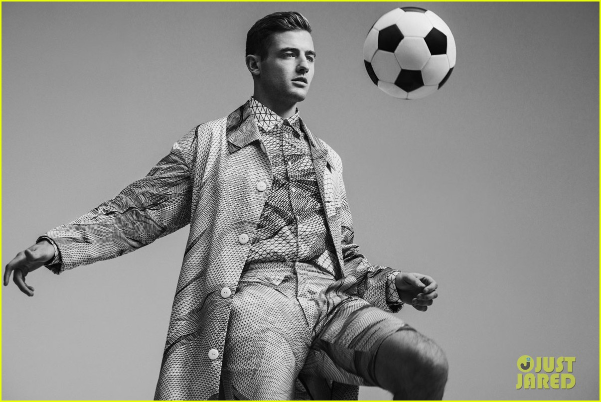 robbie rogers flaunt april 2014 feature 013068857