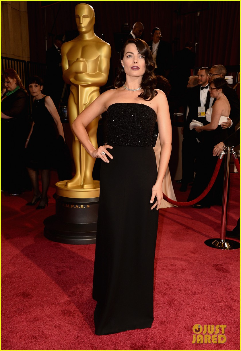 margot robbie debuts new brunette hair at oscars 2014 093064302