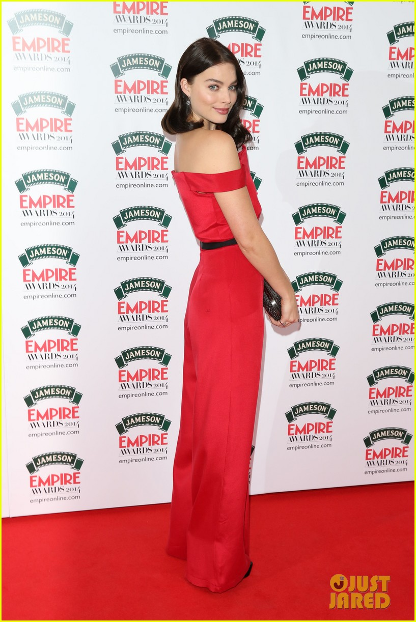 margot robbie is a stunner at the jameson empire awards 2014 07