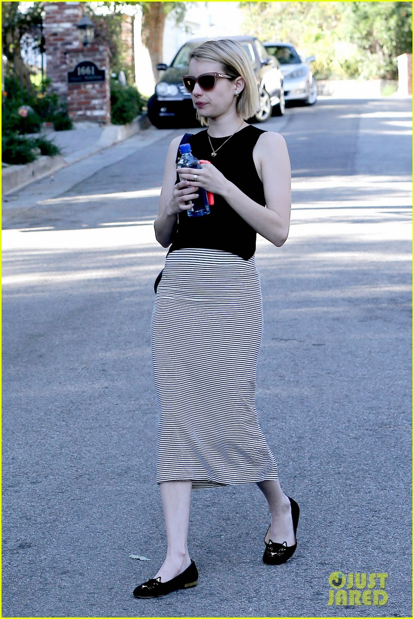 emma roberts displays huge engagement ring at lunch 083073096