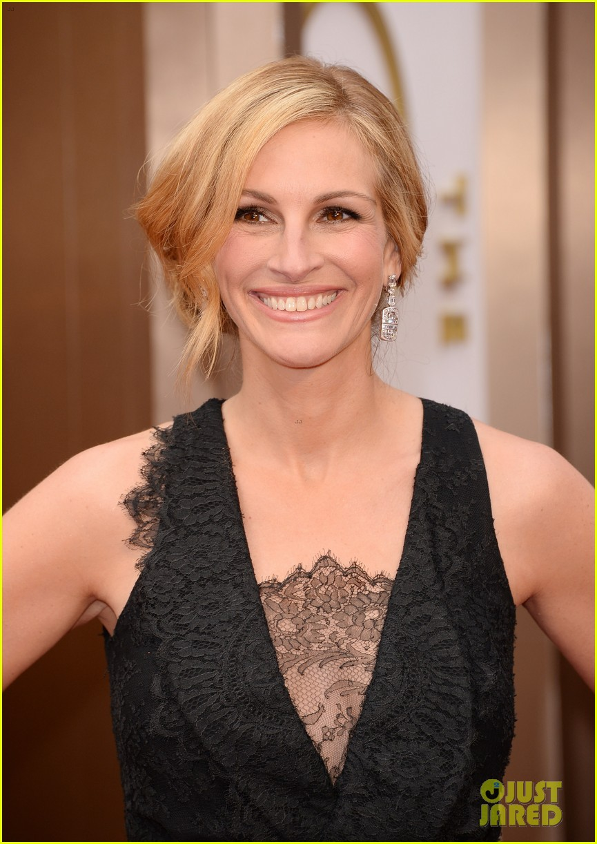 julia roberts oscars 2014 red carpet 03