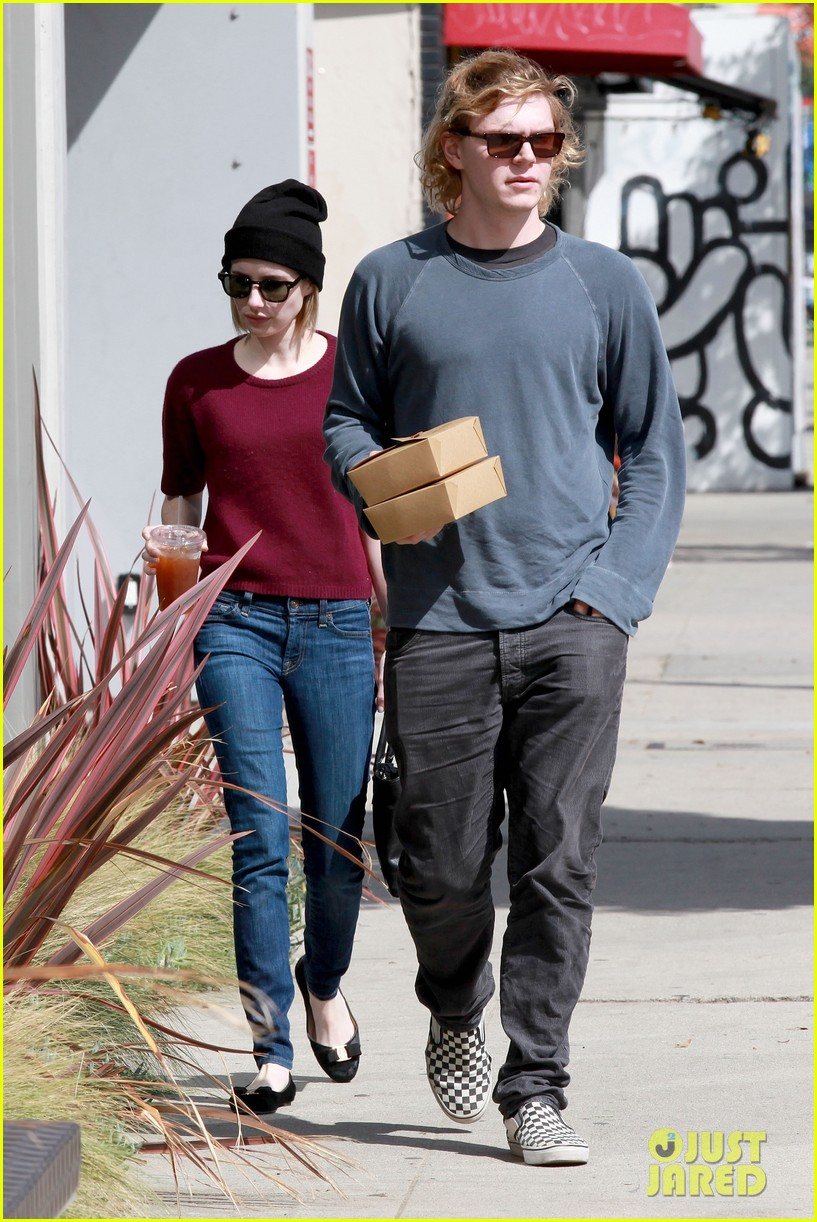 emma roberts engagement ring is the perfect accessory for outing with evan peters 153075986