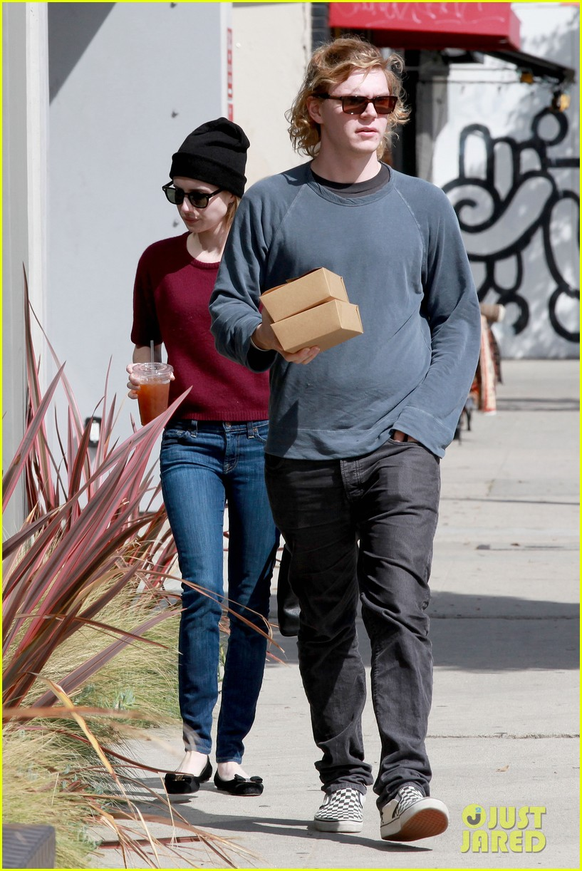 emma roberts engagement ring is the perfect accessory for outing with evan peters 193075990