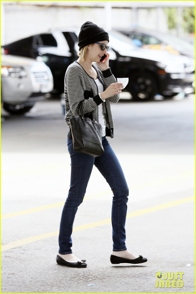 emma roberts engagement ring is the perfect accessory for outing with evan peters 243075995