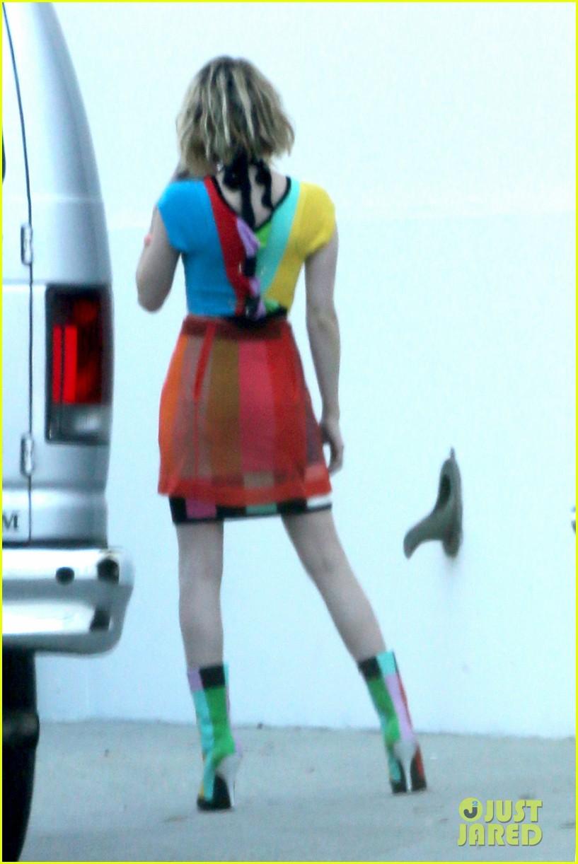 emma roberts looks funky for elle canada shoot evan peters rocks short new haircut 123080540