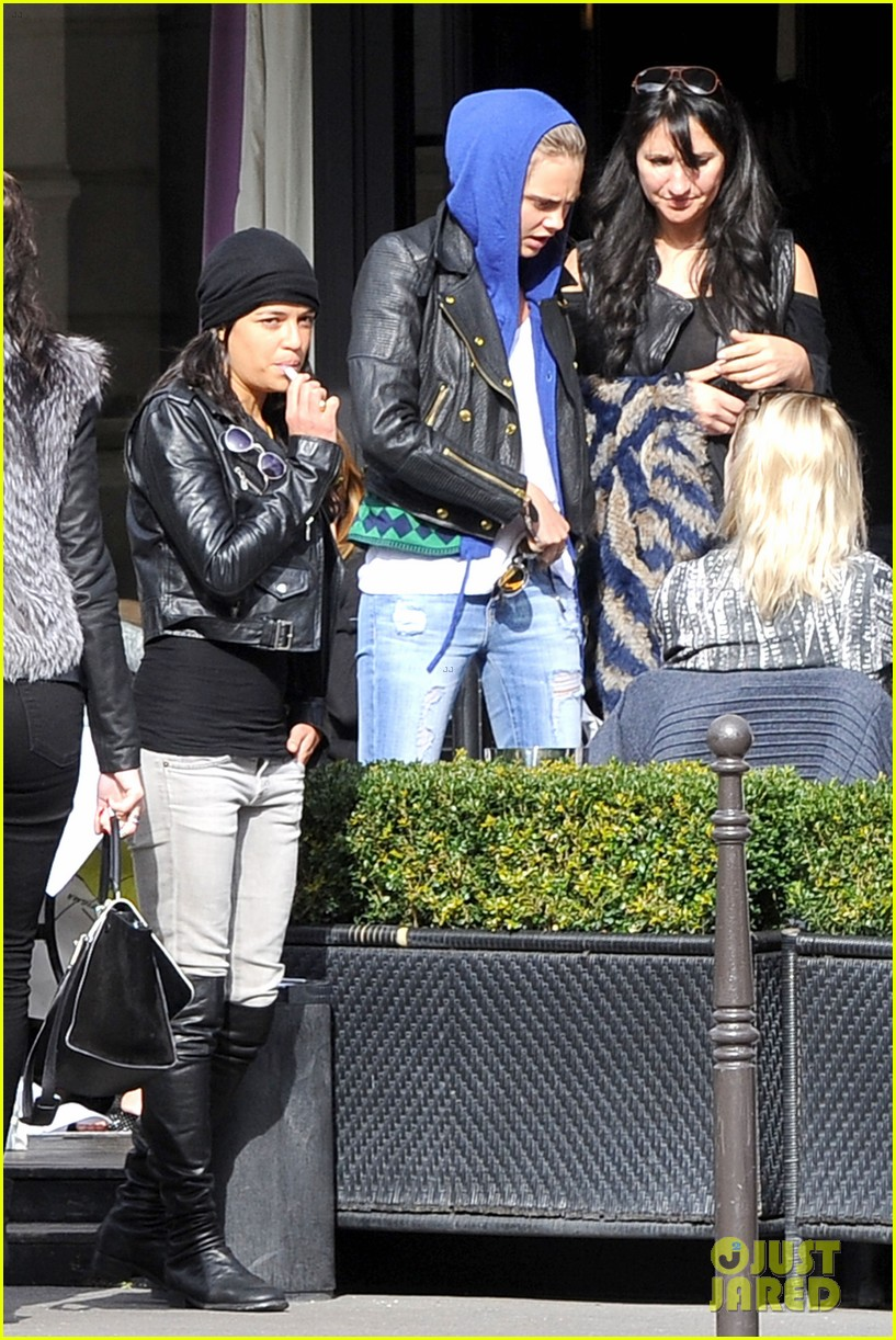 michelle rodriguez joins cara delevingne for paris fashion week fun 093065731