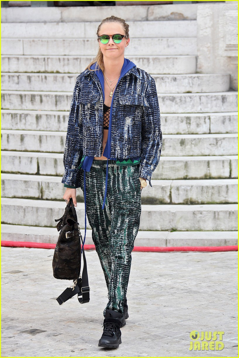 michelle rodriguez joins cara delevingne for paris fashion week fun 253065747