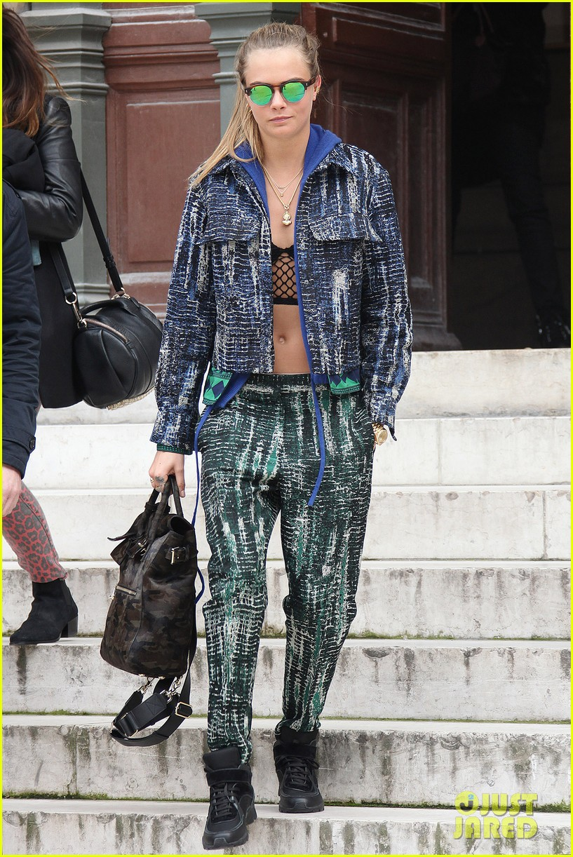 michelle rodriguez joins cara delevingne for paris fashion week fun 303065752