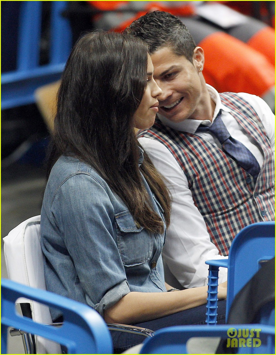 cristiano ronaldo irina shayk courtside couple 023075836