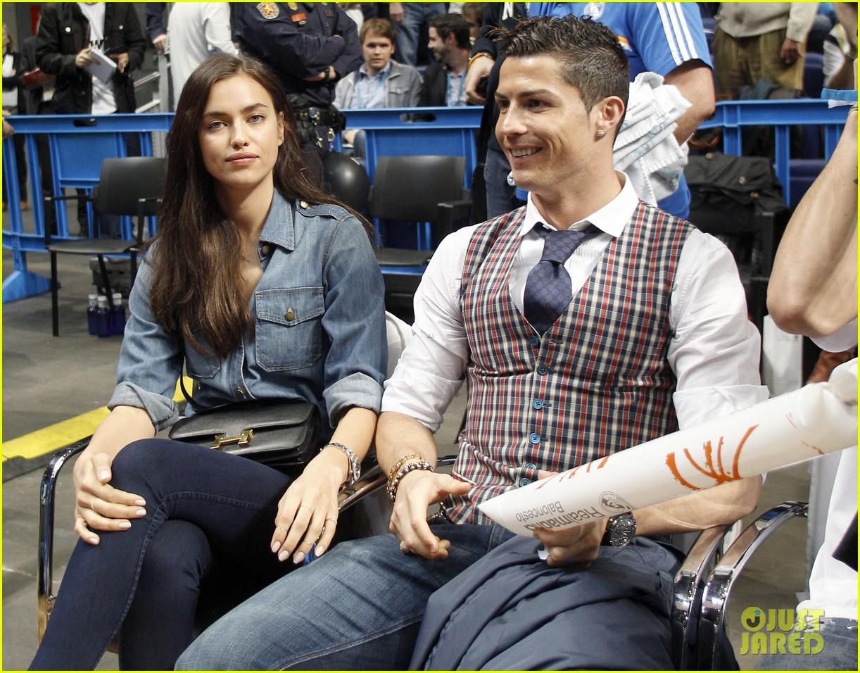 cristiano ronaldo irina shayk courtside couple 043075838