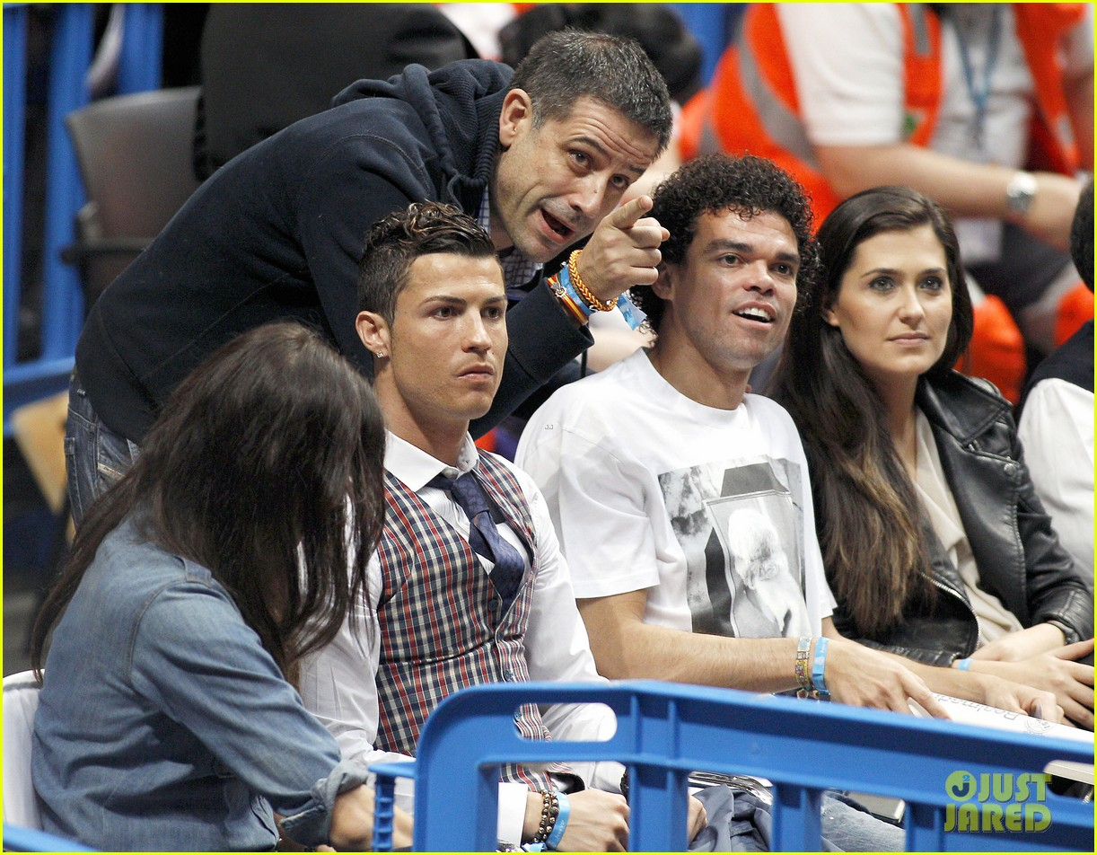 cristiano ronaldo irina shayk courtside couple 133075847