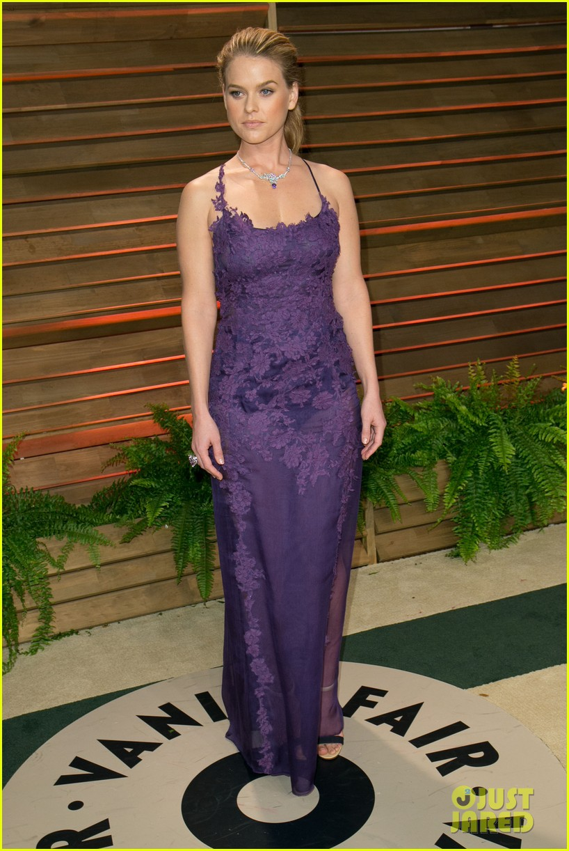 saoirse ronan vanity fair oscars party alice eve 053065088