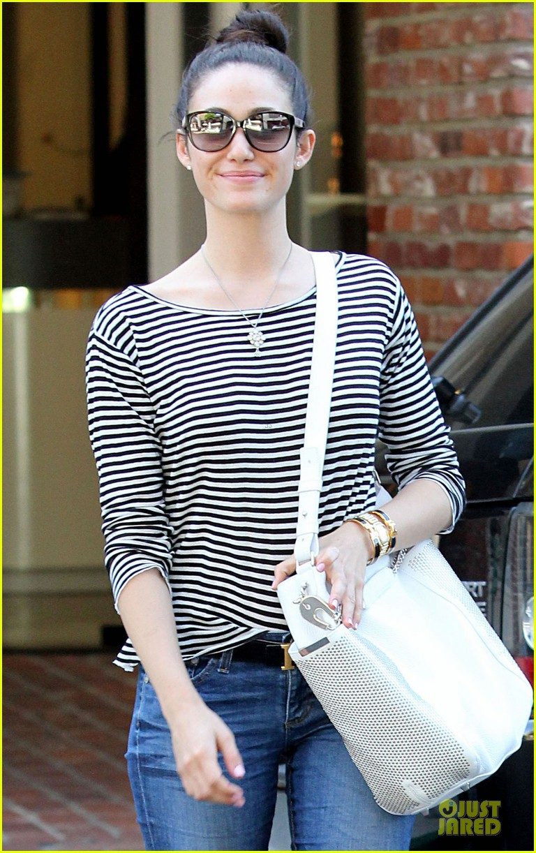 emmy rossum pray for missing malaysian airline 023074512