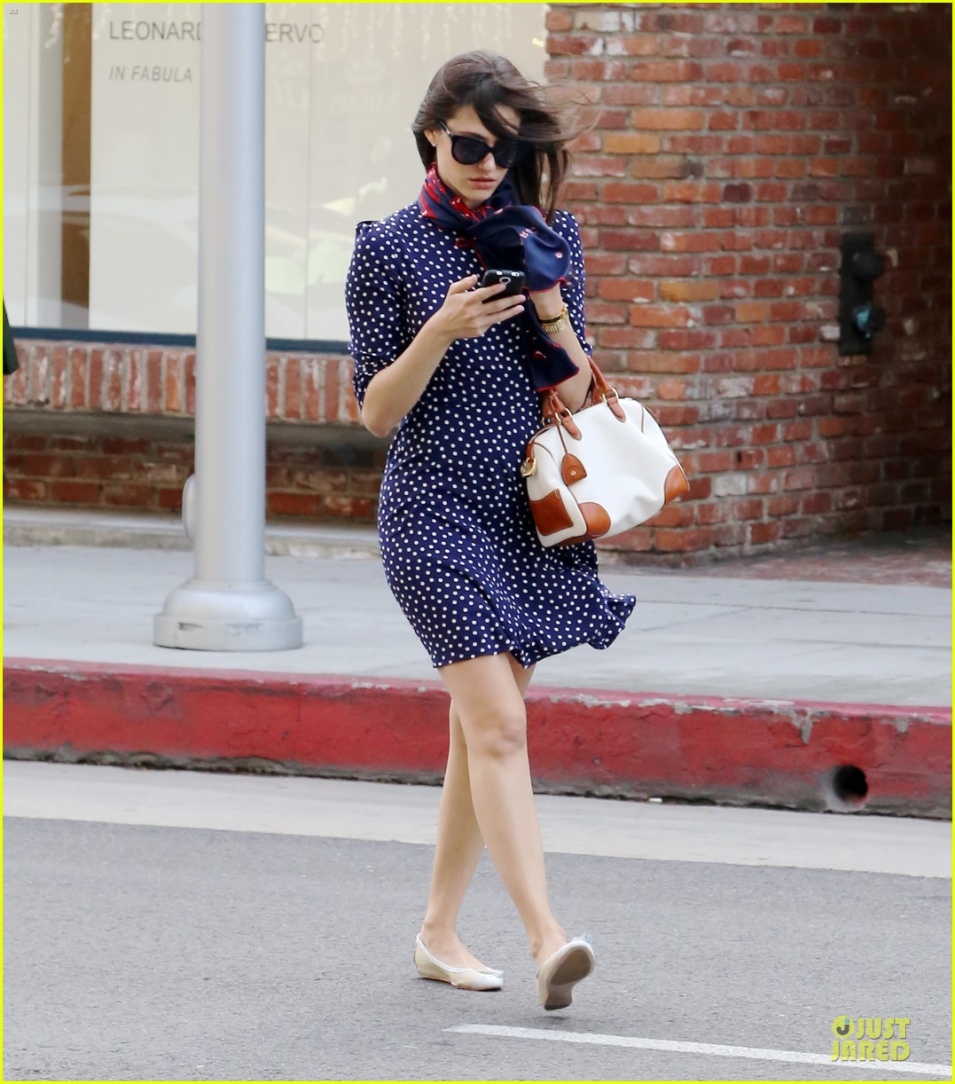 emmy rossum is attracted to brainy nerds 033078153