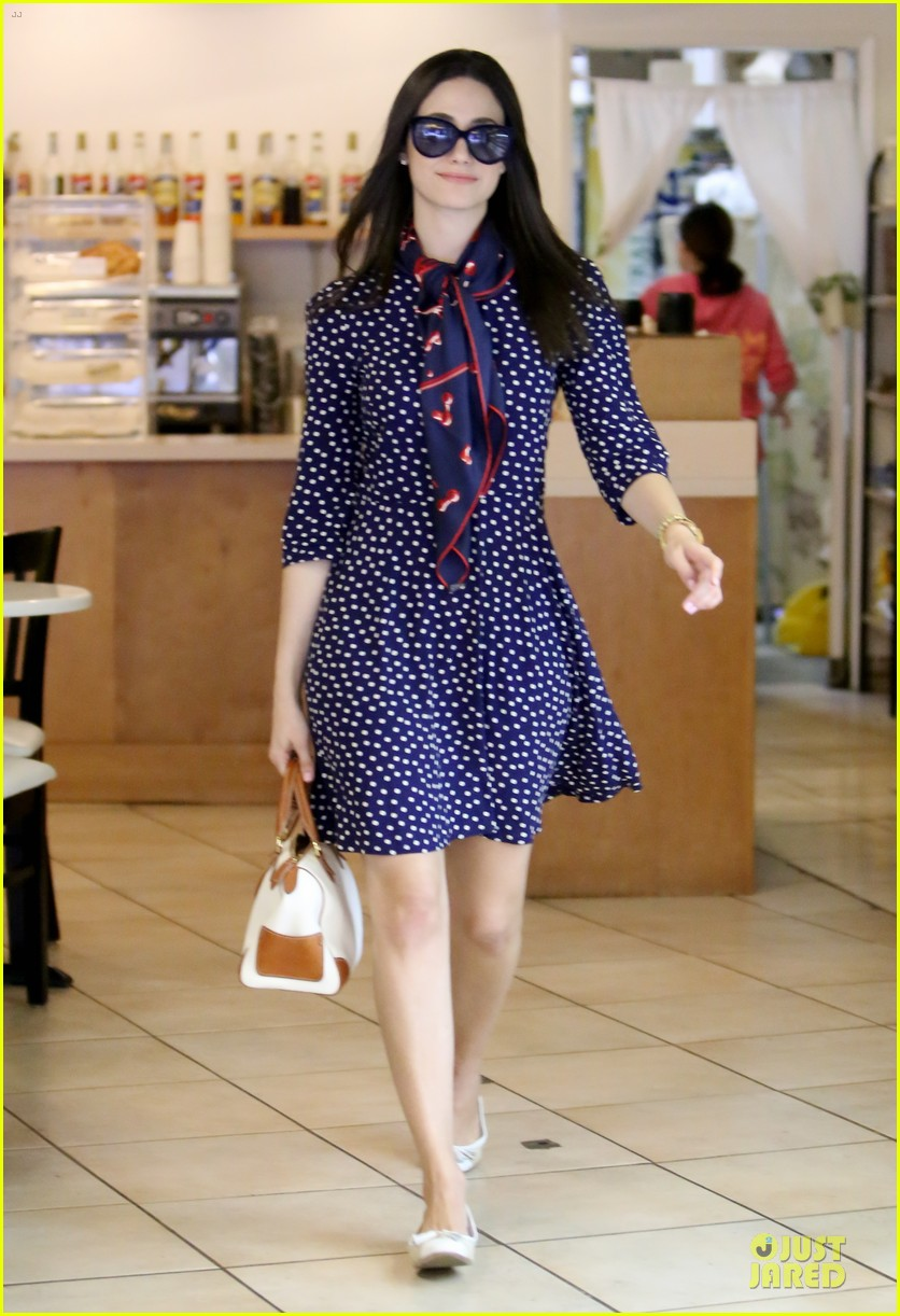 emmy rossum is attracted to brainy nerds 093078159