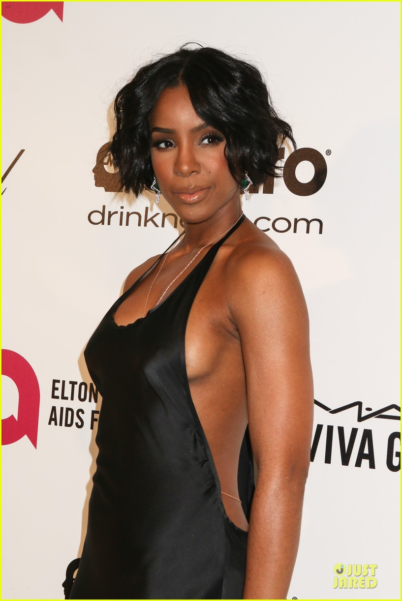 kelly rowland skylar grey heat up elton john oscars party with revealing dresses 02