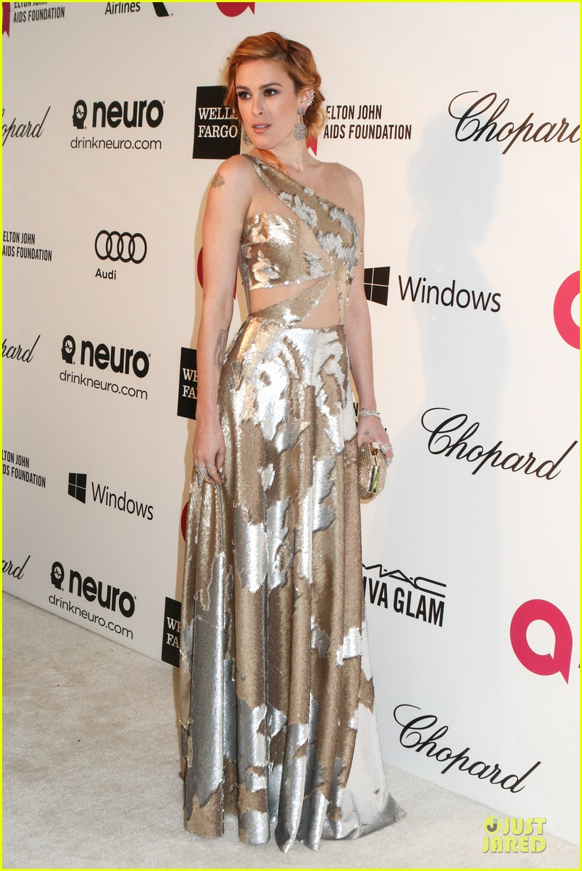 rumer willis stuns in metallic dress at elton john oscars party 2014 033064361