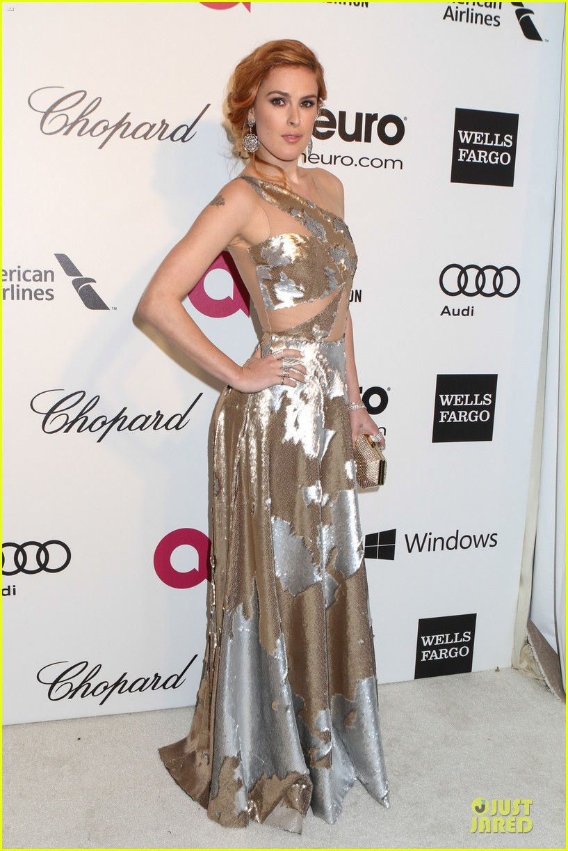 rumer willis stuns in metallic dress at elton john oscars party 2014 053064363