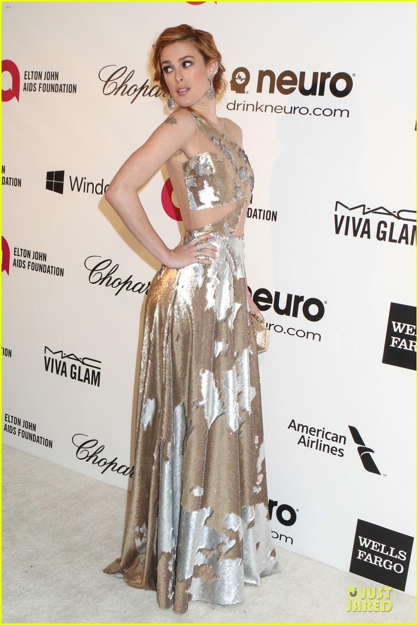 rumer willis stuns in metallic dress at elton john oscars party 2014 063064364