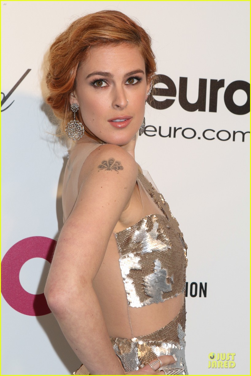rumer willis stuns in metallic dress at elton john oscars party 2014 133064371