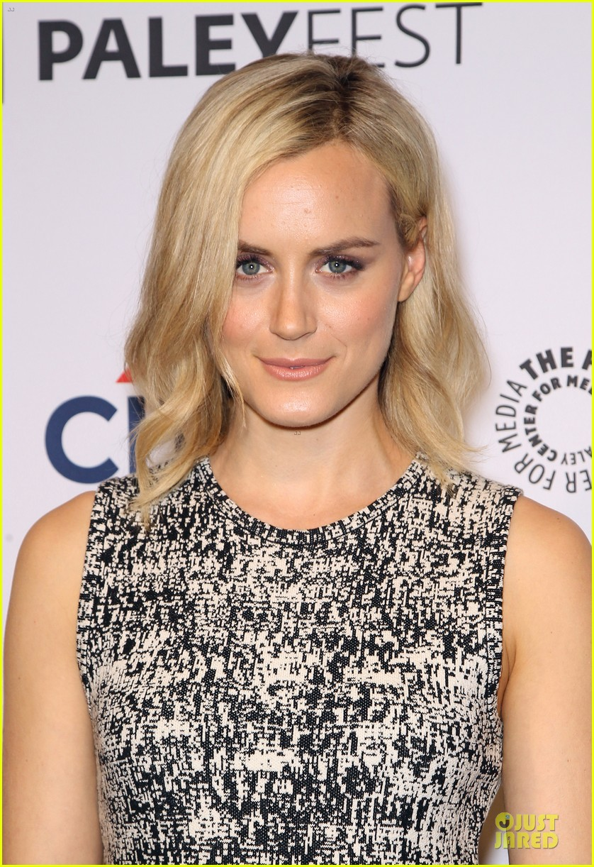 taylor schilling laura prepon orange is the new black paleyfest 22