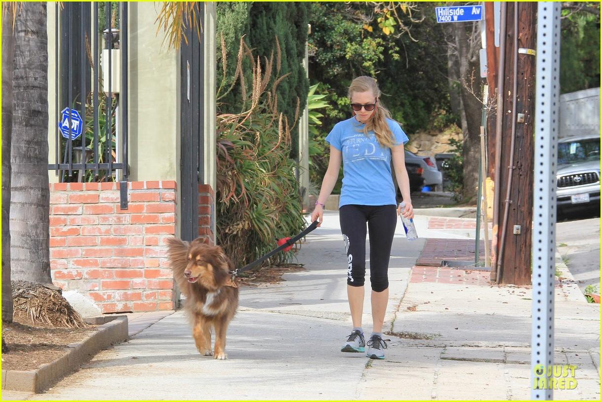 amanda seyfried finn enjoy healthy treadmill workout watch video now 093062628