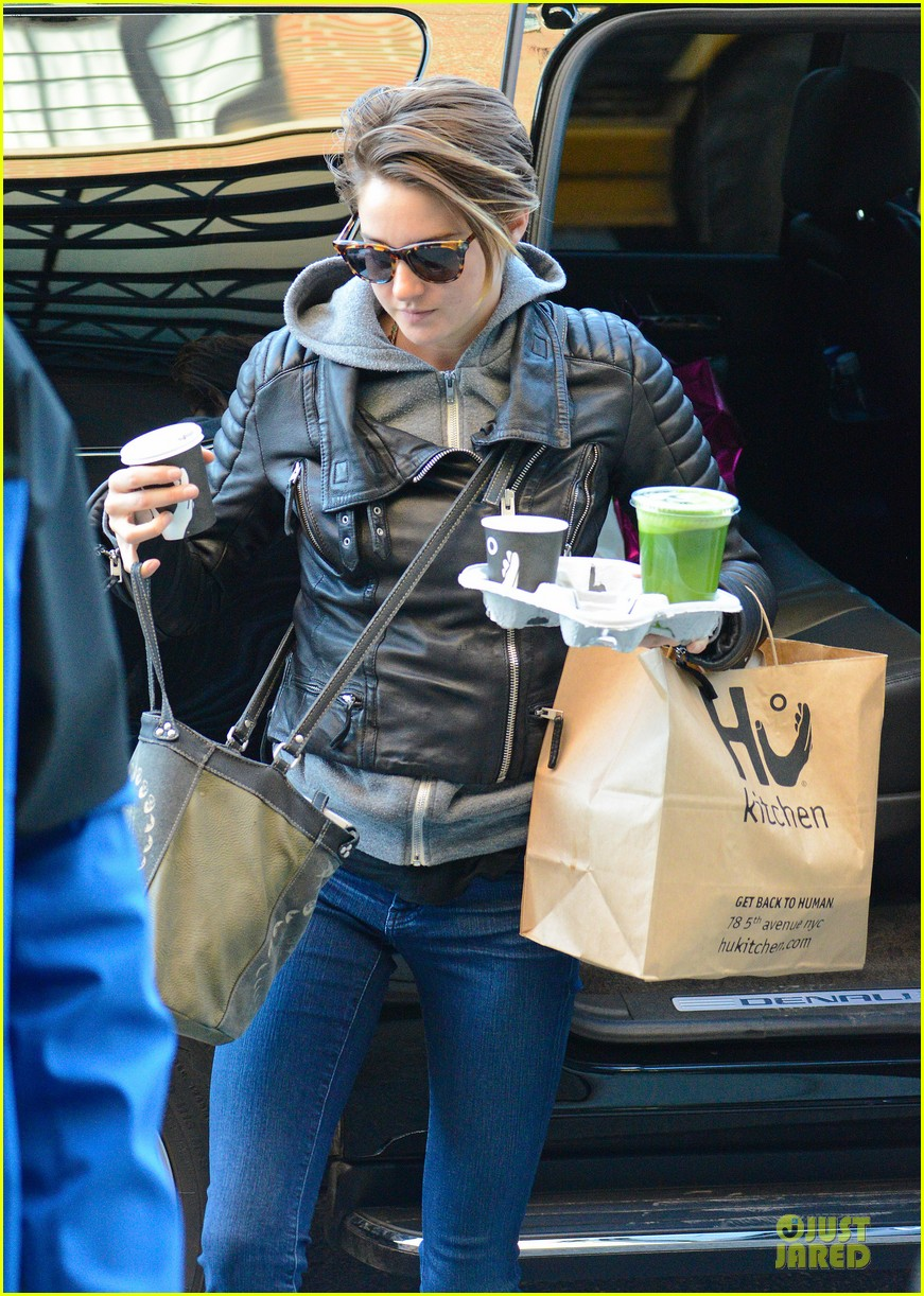 shailene woodley hang loose with tongue 113076256