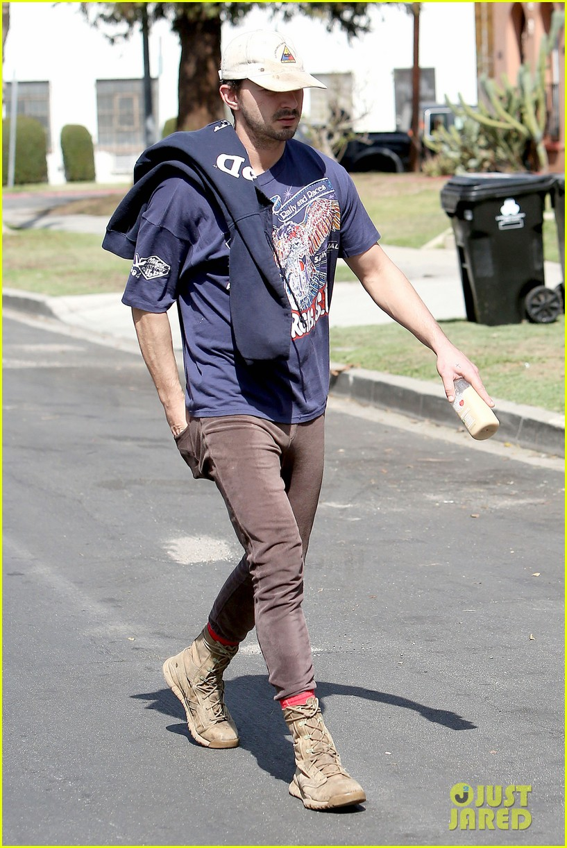 shia labeouf finds a parking ticket on his windshield after workout 133065967