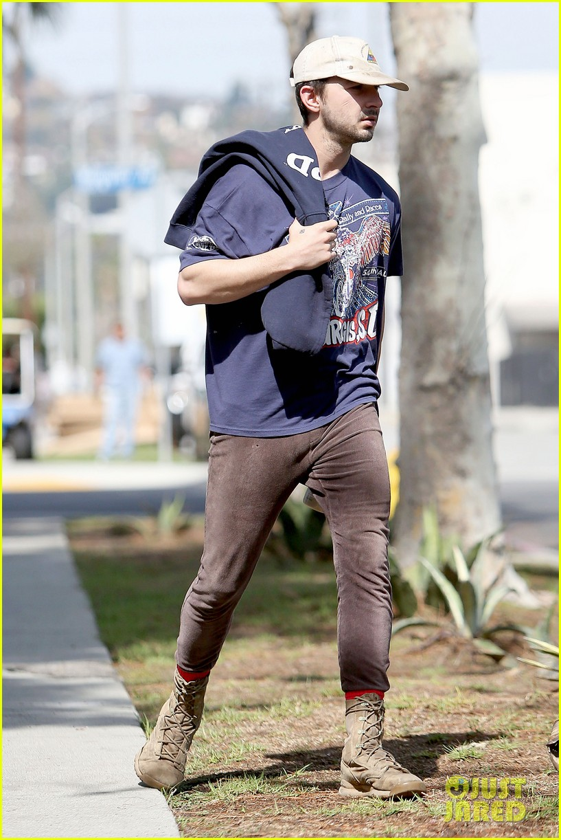 shia labeouf finds a parking ticket on his windshield after workout 213065975