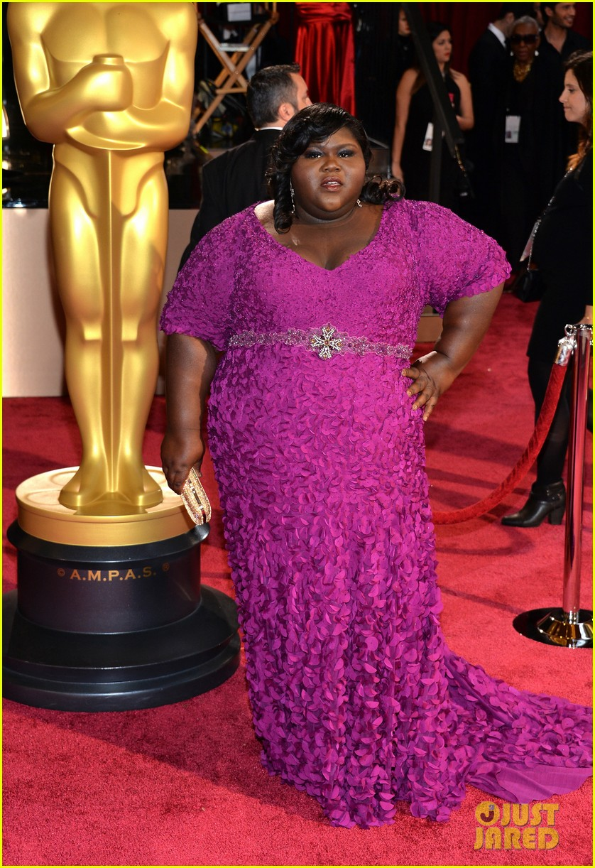 gabourey sidibe gets to work on oscars 2014 red carpet 01