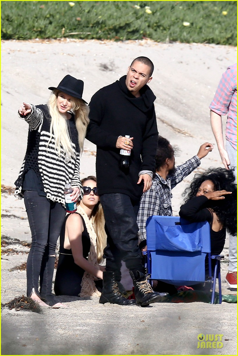 ashlee simpson evan ross beach with diana ross 063080795