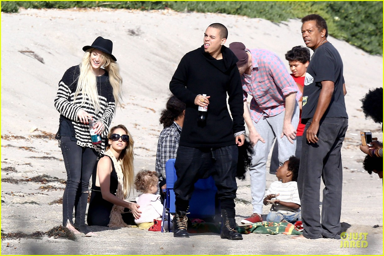 ashlee simpson evan ross beach with diana ross 103080799