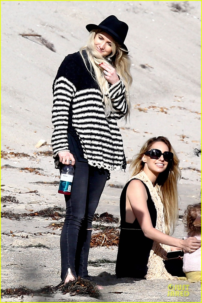 ashlee simpson evan ross beach with diana ross 173080806