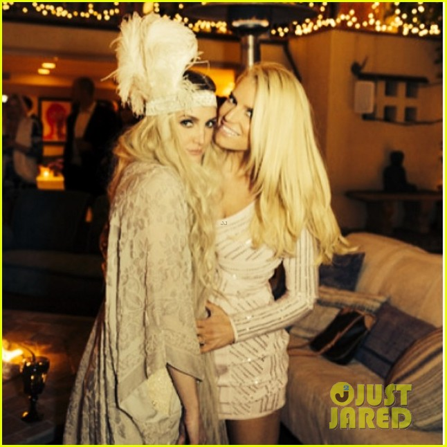 ashlee simpson evan ross throw amazing engagement party 013079459