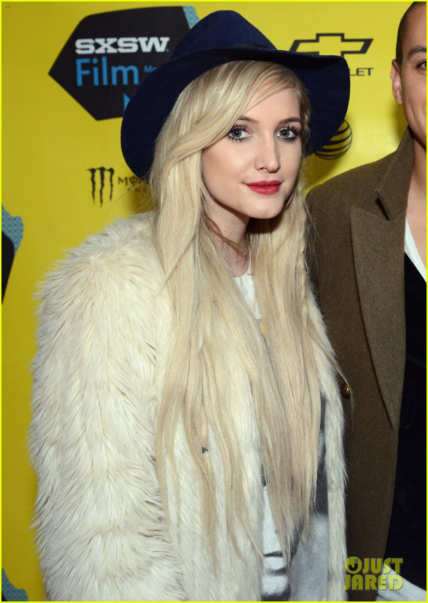 ashlee simpson supports evan ross at sxsw 043069238