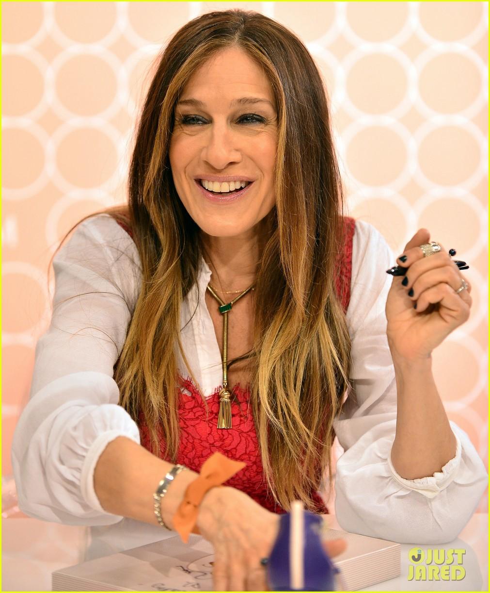 sarah jessica parker promotes her shoe line in florida 023068711