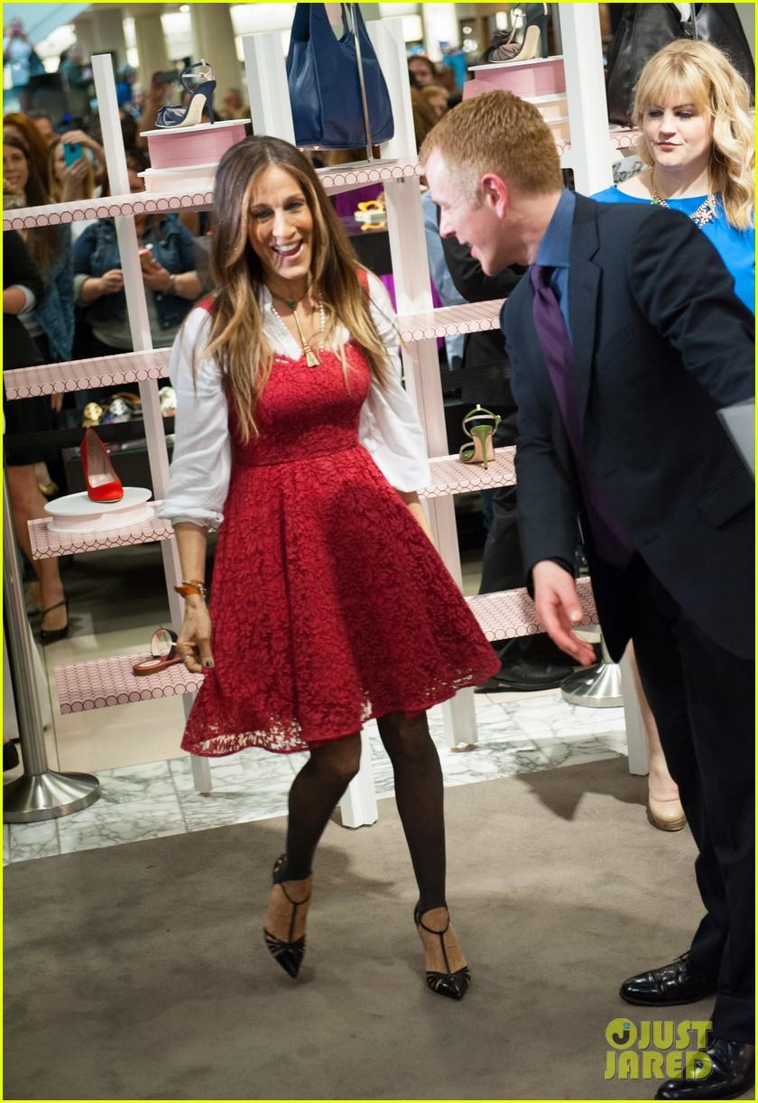 sarah jessica parker promotes her shoe line in florida 043068713
