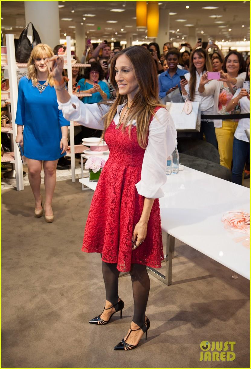 sarah jessica parker promotes her shoe line in florida 143068723